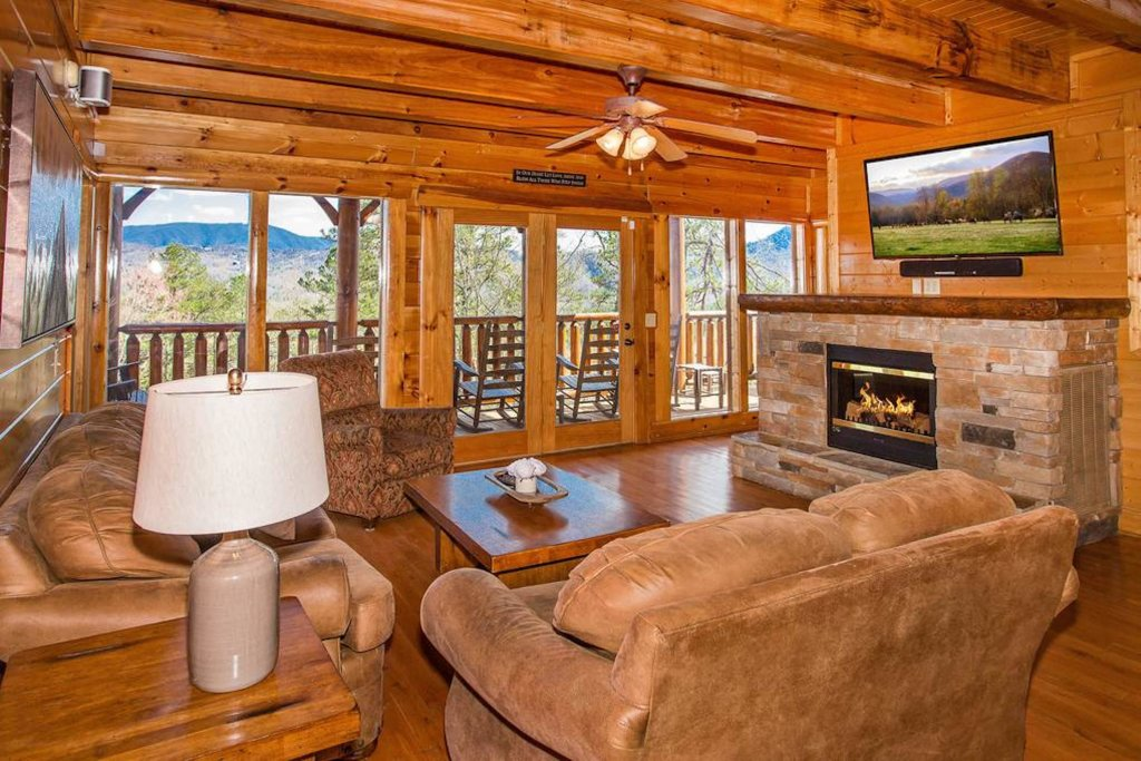 Photo of a Sevierville Cabin named Heaven Sent - This is the fourth photo in the set.