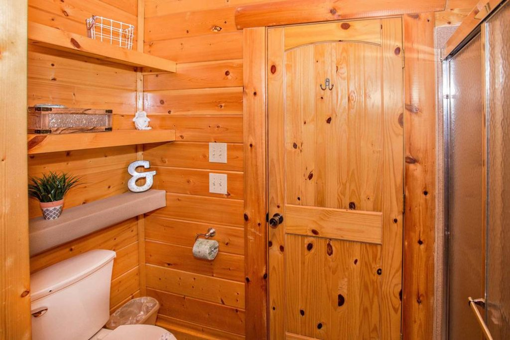 Photo of a Sevierville Cabin named Heaven Sent - This is the eleventh photo in the set.