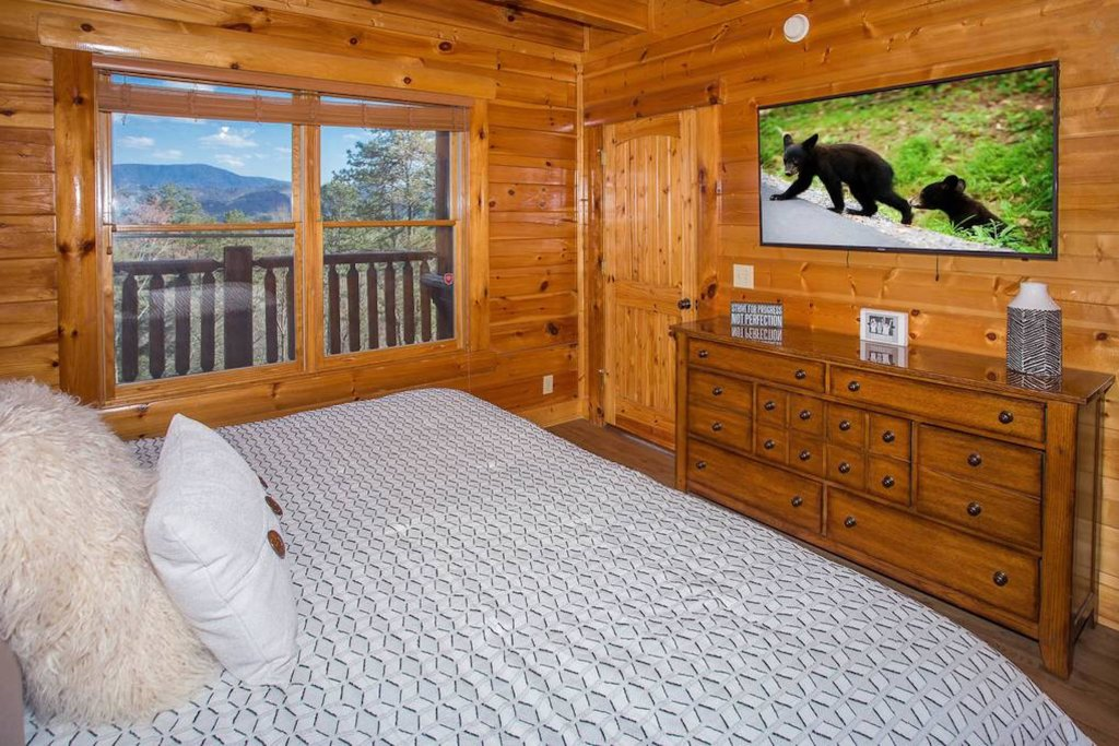 Photo of a Sevierville Cabin named Heaven Sent - This is the twelfth photo in the set.
