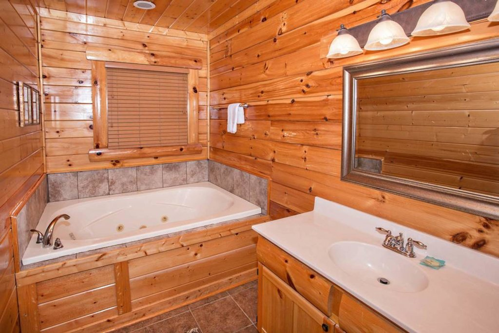 Photo of a Sevierville Cabin named Heaven Sent - This is the twenty-first photo in the set.