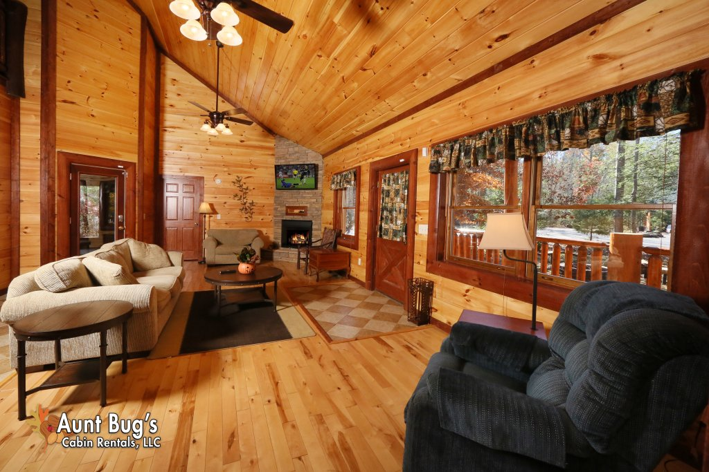 Photo of a Gatlinburg Cabin named Splash N' Play #524 - This is the tenth photo in the set.