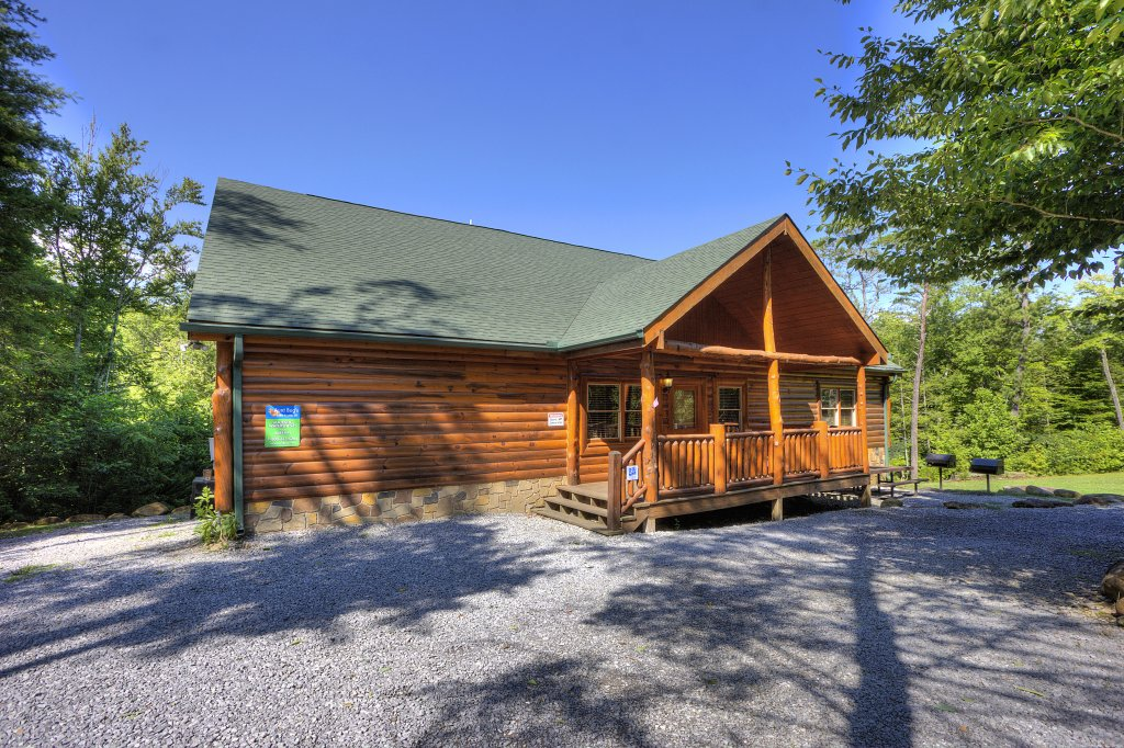Photo of a Gatlinburg Cabin named Majestic Waters #575 - This is the fourteenth photo in the set.