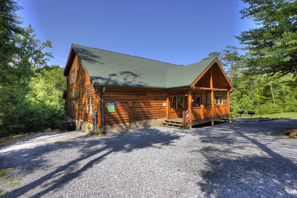 Photo of a Gatlinburg Cabin named Majestic Waters #575 - This is the nineteenth photo in the set.