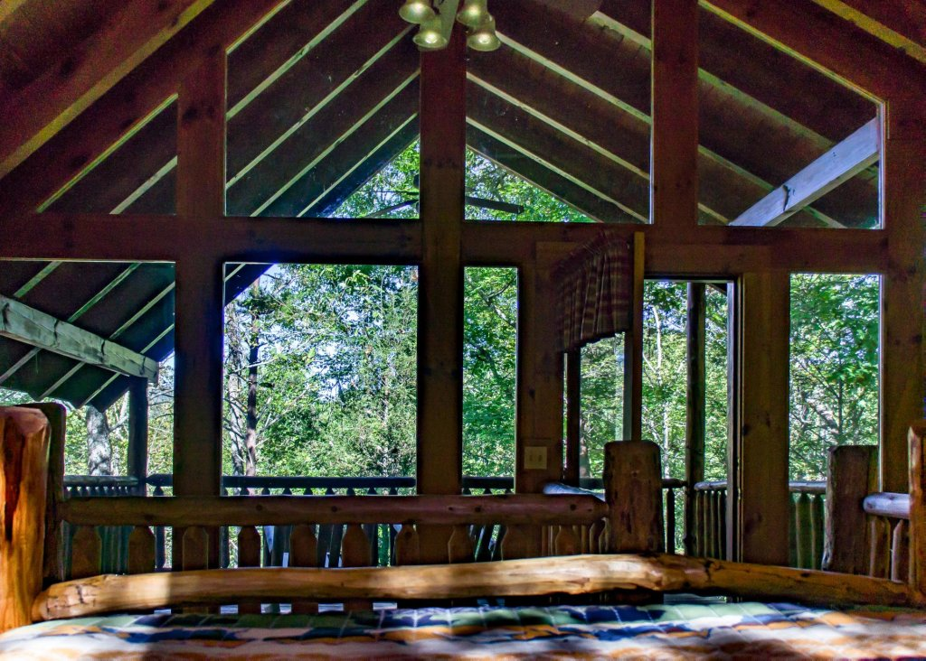 Photo of a Pigeon Forge Cabin named Simply Charming #9 - This is the sixteenth photo in the set.
