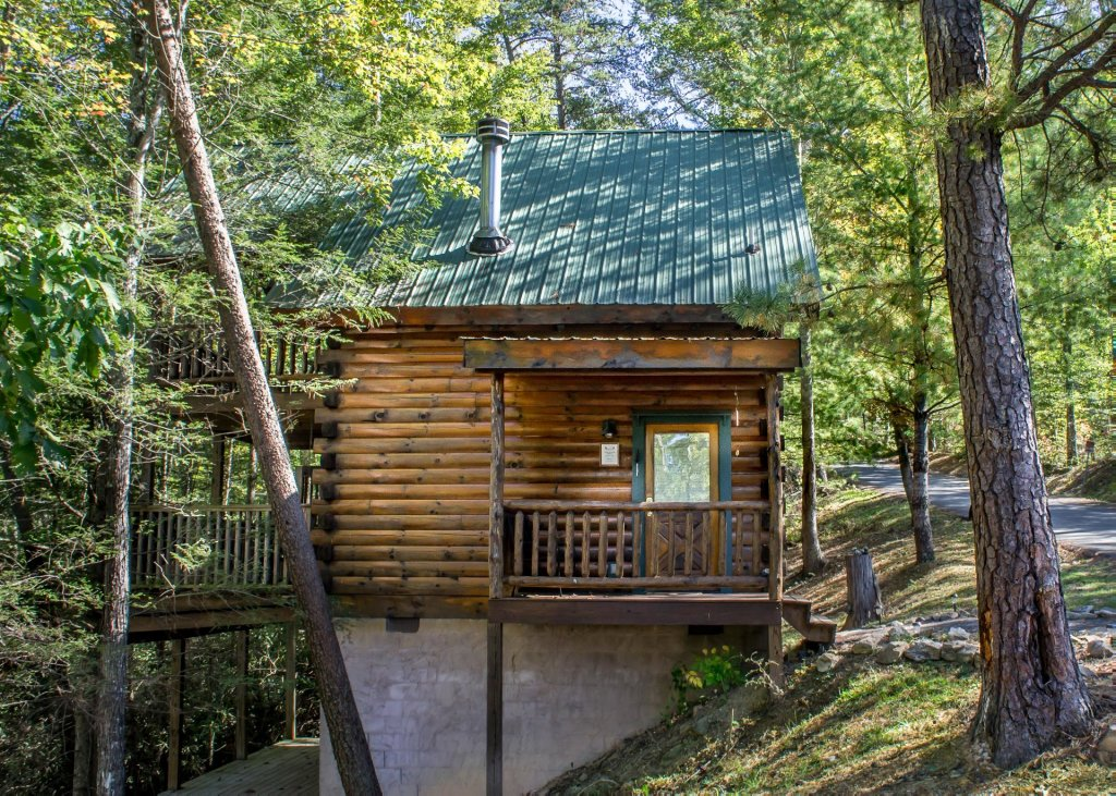 Photo of a Pigeon Forge Cabin named Simply Charming #9 - This is the twenty-fourth photo in the set.