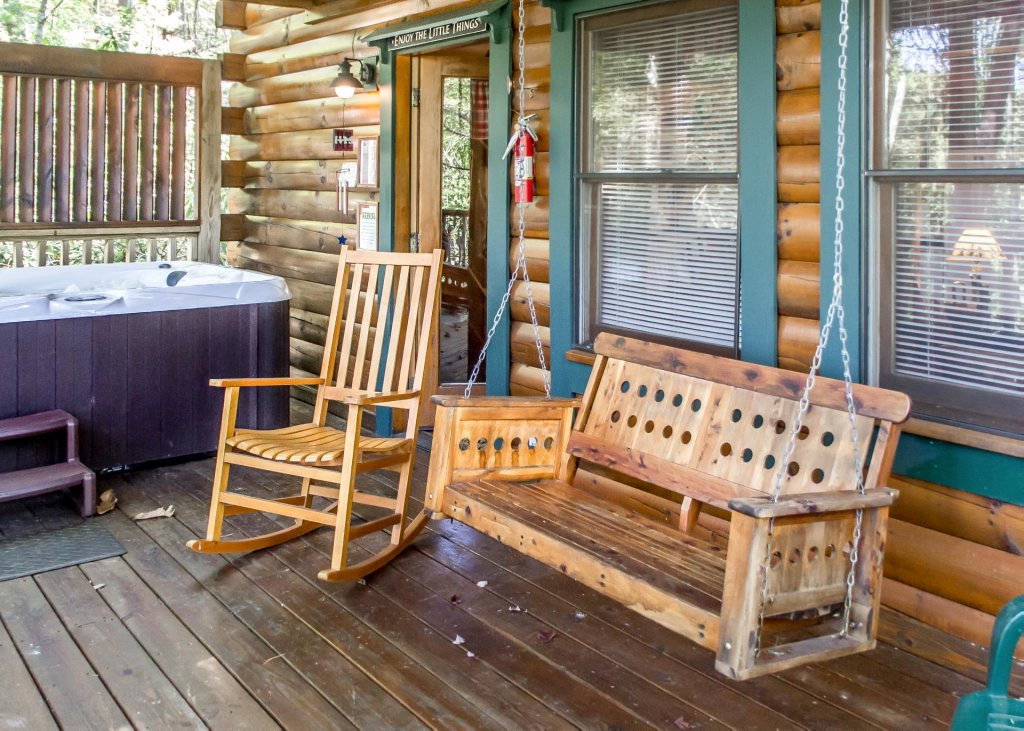 Photo of a Pigeon Forge Cabin named Simply Charming #9 - This is the twentieth photo in the set.