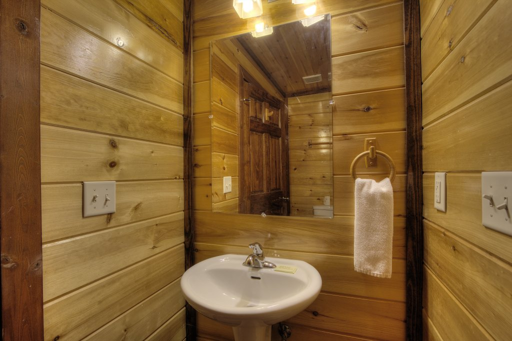 Photo of a Gatlinburg Cabin named Majestic Waters #575 - This is the thirty-first photo in the set.