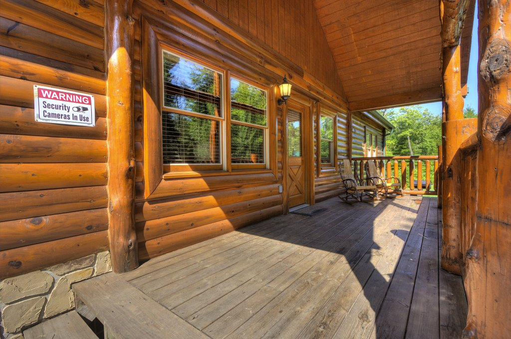 Photo of a Gatlinburg Cabin named Majestic Waters #575 - This is the forty-eighth photo in the set.