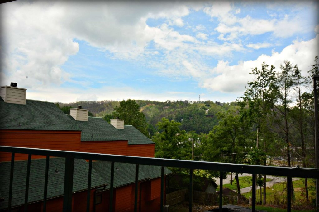 Photo of a Gatlinburg Cabin named Gatlinburg Towers #208 - This is the thirteenth photo in the set.