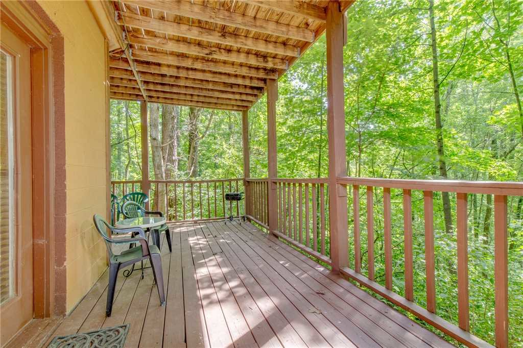 Photo of a Gatlinburg Cabin named Smoky View Chalet - This is the eighteenth photo in the set.