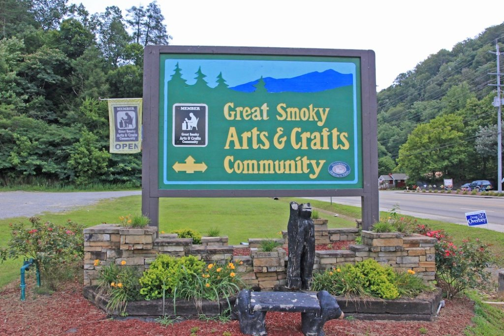 Photo of a Gatlinburg Cabin named Smoky View Chalet - This is the twentieth photo in the set.