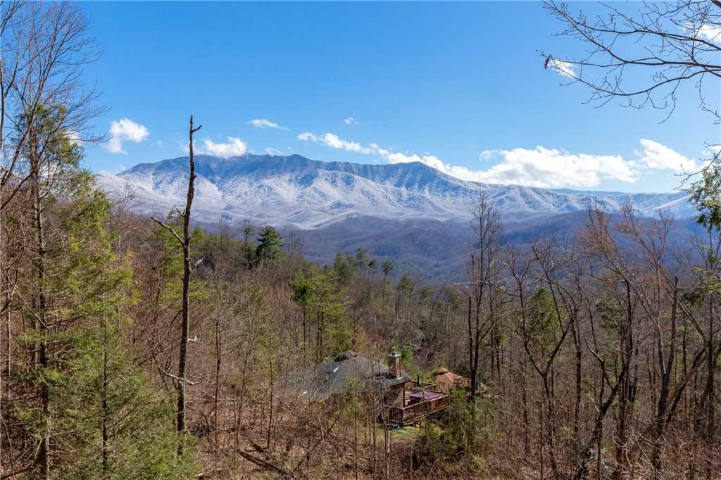 Photo of a Gatlinburg Cabin named Smoky Mountain Dreams - This is the third photo in the set.