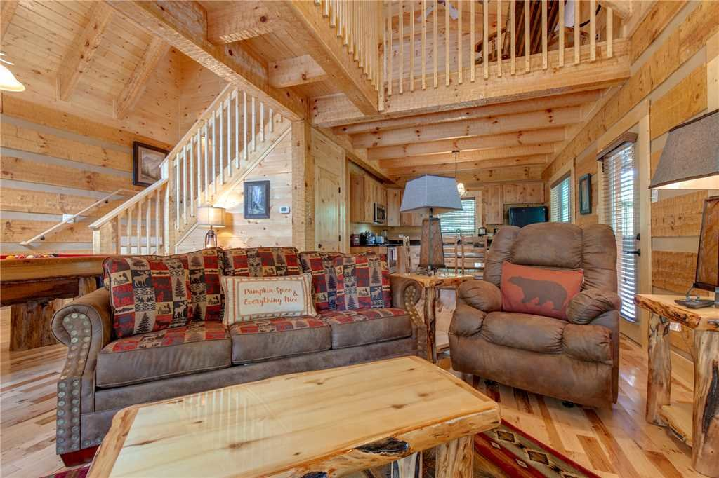 Photo of a Gatlinburg Cabin named Lover's Hideaway - This is the fifth photo in the set.