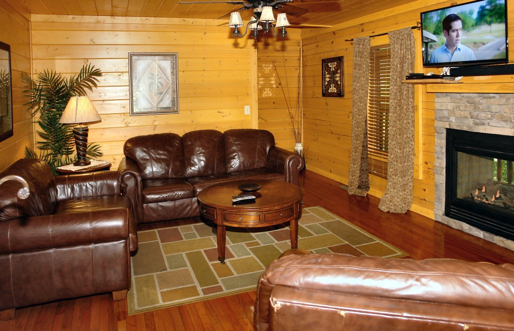 Photo of a Pigeon Forge Cabin named Skinny Dippin' #261 - This is the twenty-second photo in the set.