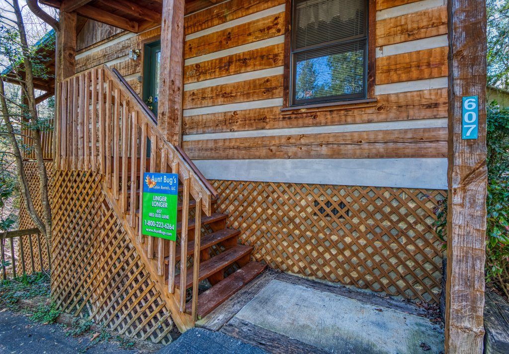 Photo of a Gatlinburg Cabin named Linger Longer #1607 - This is the second photo in the set.