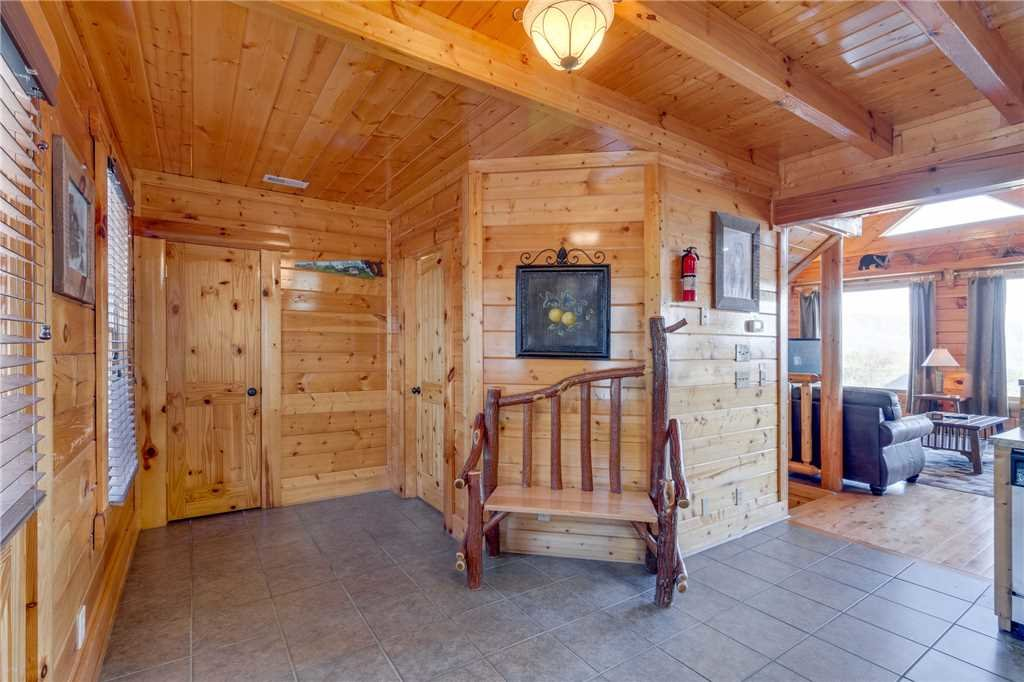 Photo of a Pigeon Forge Cabin named Big Sky - This is the sixteenth photo in the set.