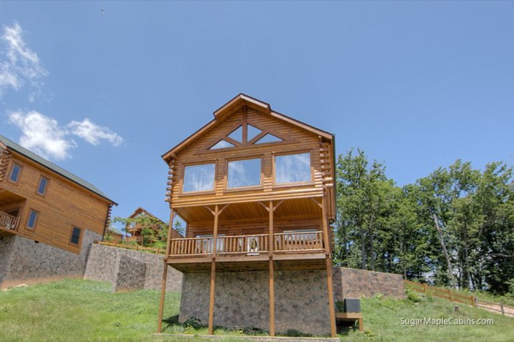 Photo of a Pigeon Forge Cabin named Big Sky - This is the first photo in the set.