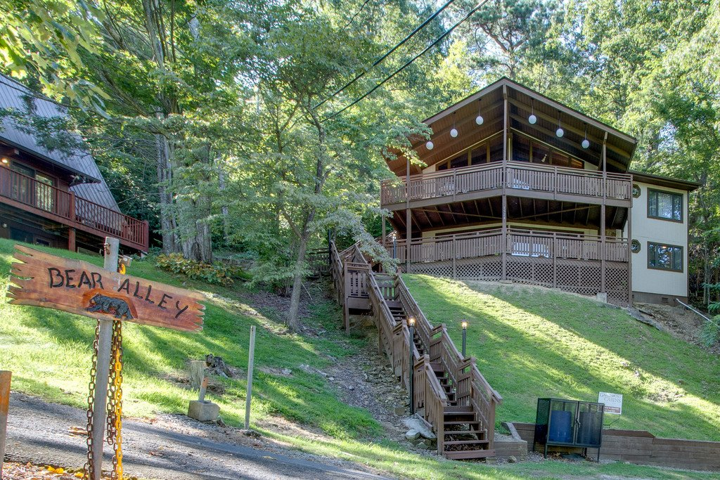 Photo of a Gatlinburg Cabin named Stairway To Heaven - This is the thirty-seventh photo in the set.