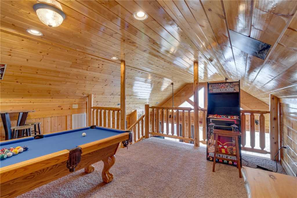 Photo of a Pigeon Forge Cabin named Big Sky - This is the twenty-second photo in the set.