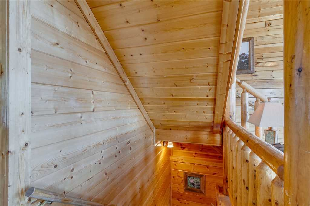 Photo of a Pigeon Forge Cabin named Big Sky - This is the twenty-third photo in the set.