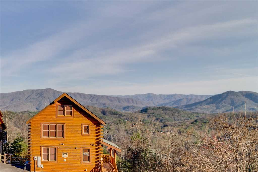 Photo of a Pigeon Forge Cabin named Big Sky - This is the forty-second photo in the set.