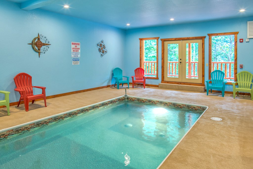 Photo of a Pigeon Forge Cabin named Sherwood Splash Lodge - This is the second photo in the set.
