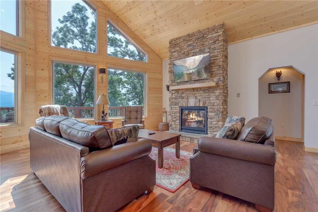 Photo of a Gatlinburg Cabin named Eagles View - This is the fourth photo in the set.