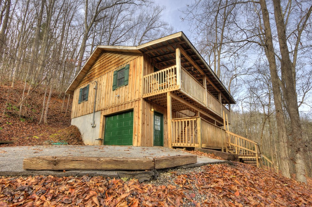 Photo of a Gatlinburg Cabin named A Finders Keepers #335 - This is the first photo in the set.