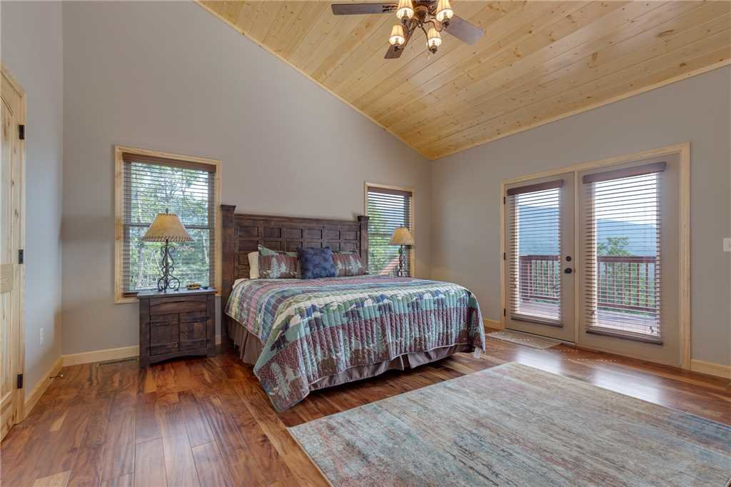 Photo of a Gatlinburg Cabin named Eagles View - This is the seventeenth photo in the set.