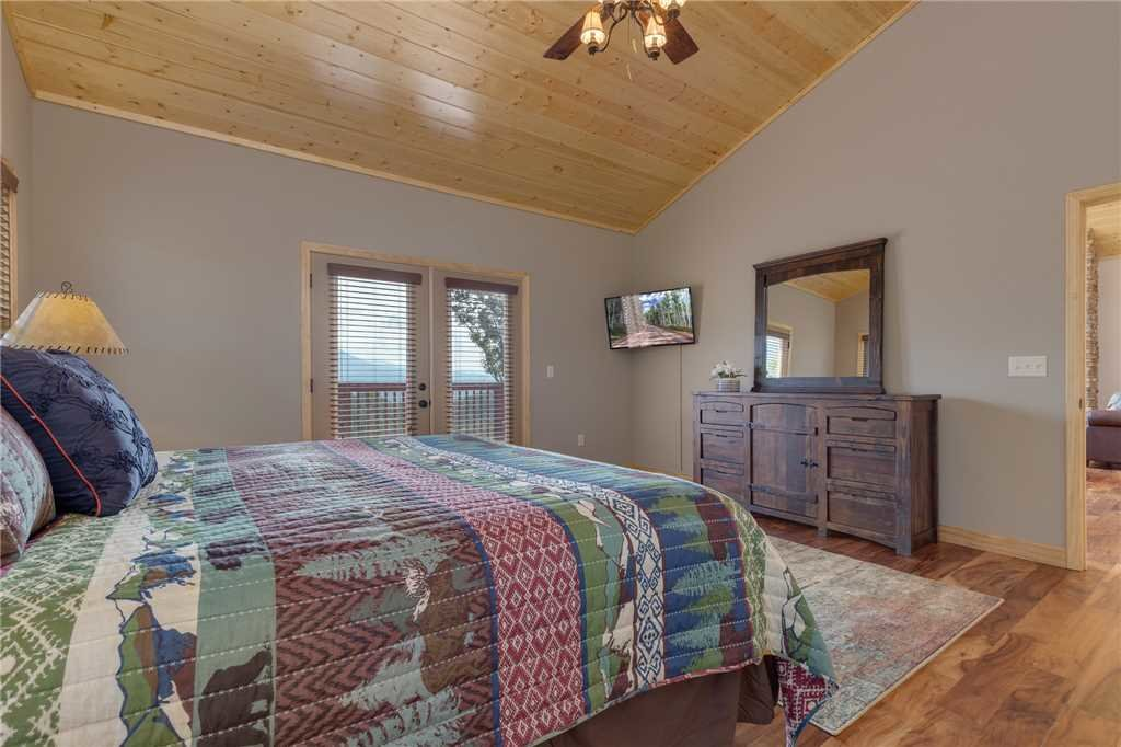 Photo of a Gatlinburg Cabin named Eagles View - This is the eighteenth photo in the set.