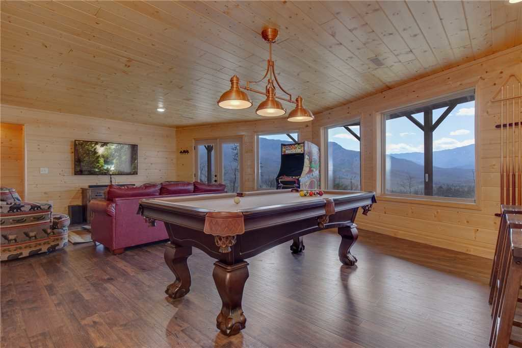 Photo of a Gatlinburg Cabin named Eagles View - This is the sixteenth photo in the set.