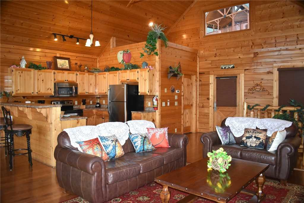 Photo of a Pigeon Forge Cabin named Shooting Star - This is the sixth photo in the set.