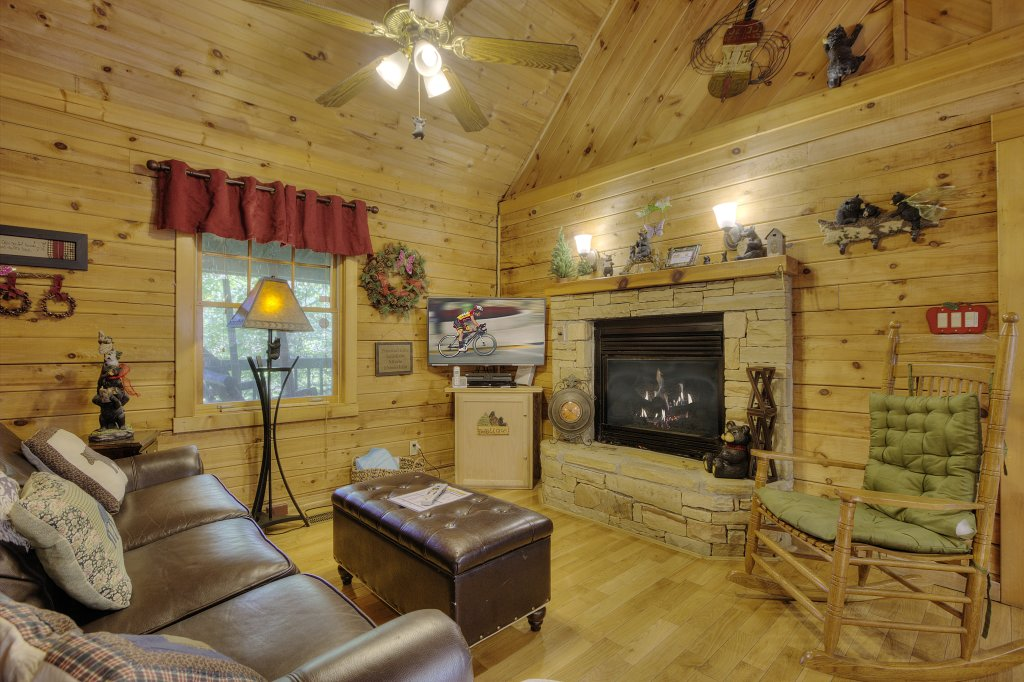 Photo of a Gatlinburg Cabin named Pure Pleasure Too #202 - This is the second photo in the set.