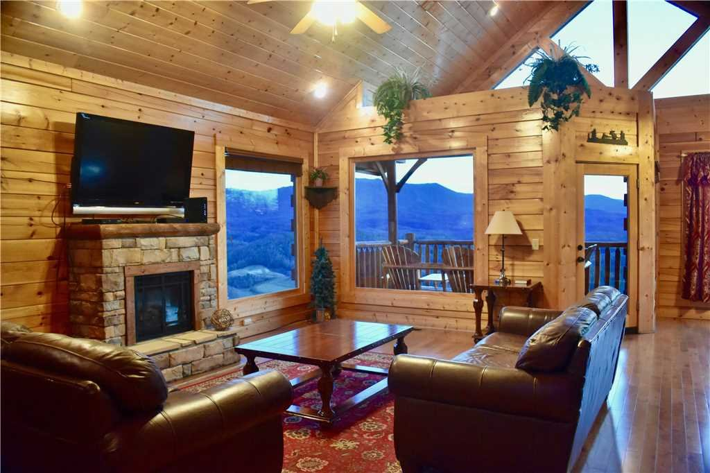 Photo of a Pigeon Forge Cabin named Shooting Star - This is the ninth photo in the set.
