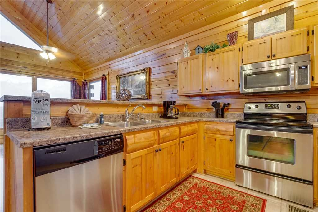 Photo of a Pigeon Forge Cabin named Shooting Star - This is the twenty-second photo in the set.