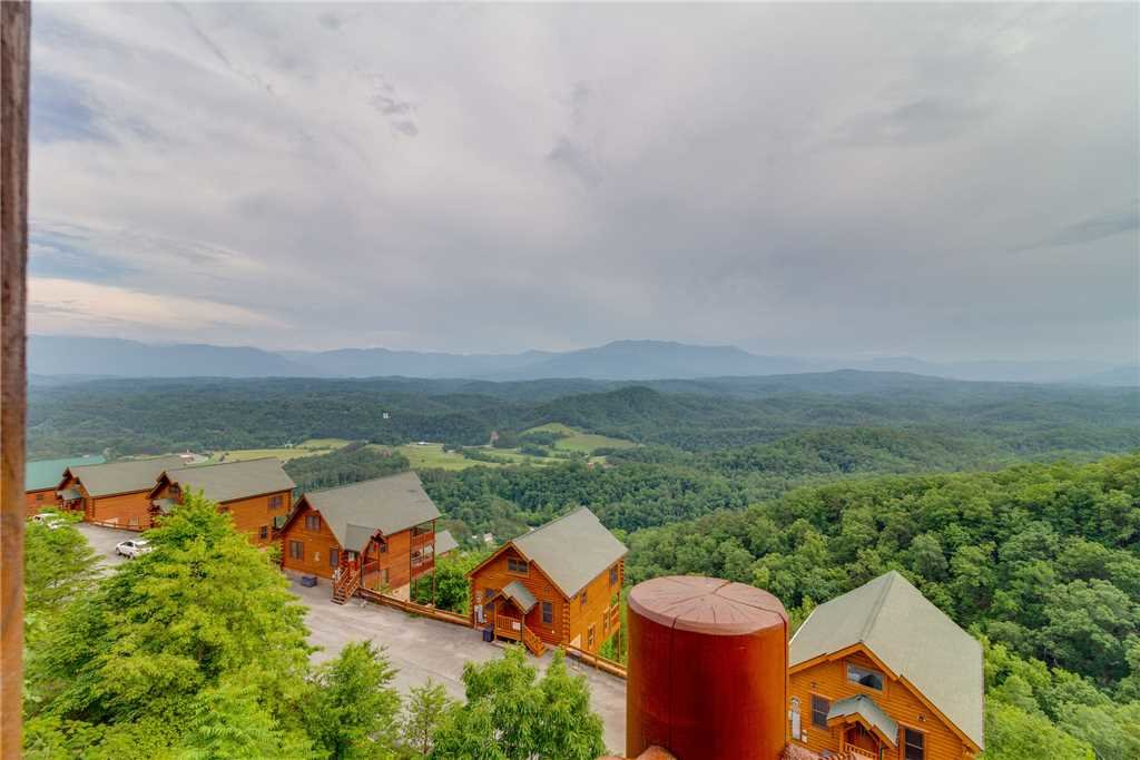 Photo of a Pigeon Forge Cabin named Shooting Star - This is the fourteenth photo in the set.