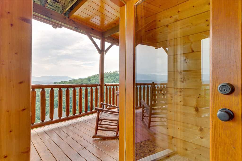 Photo of a Pigeon Forge Cabin named Shooting Star - This is the thirty-third photo in the set.