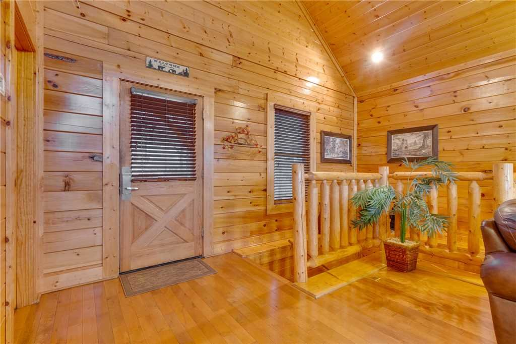 Photo of a Pigeon Forge Cabin named Shooting Star - This is the twenty-third photo in the set.