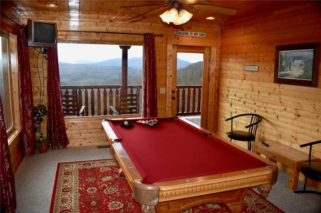 Photo of a Pigeon Forge Cabin named Shooting Star - This is the twenty-seventh photo in the set.