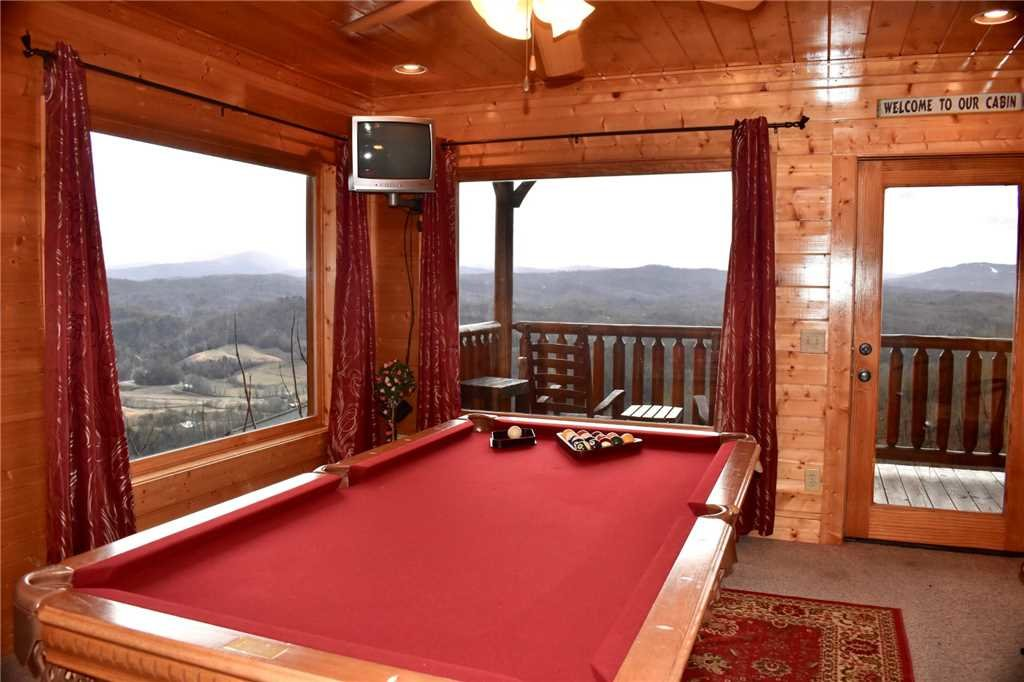 Photo of a Pigeon Forge Cabin named Shooting Star - This is the twenty-sixth photo in the set.