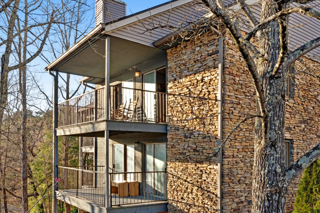 Photo of a Pigeon Forge Cabin named Bow-gie Vista - This is the third photo in the set.