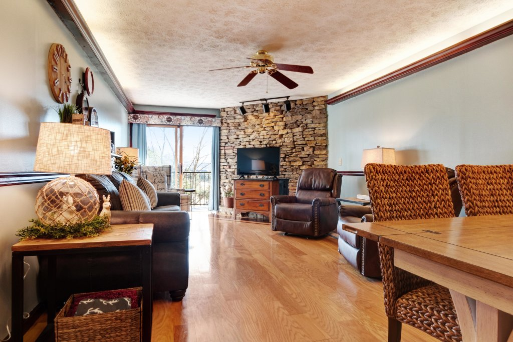 Photo of a Pigeon Forge Cabin named Bow-gie Vista - This is the eighth photo in the set.