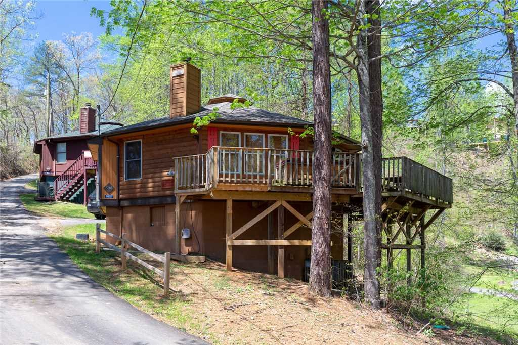 Photo of a Gatlinburg Cabin named Country Cozy - This is the fourteenth photo in the set.