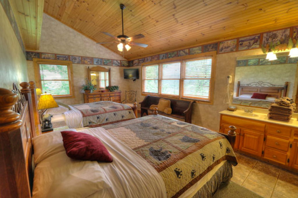 Photo of a Sevierville Cabin named Teddy Bear Lodge - This is the seventeenth photo in the set.