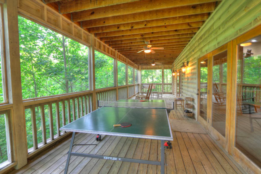 Photo of a Sevierville Cabin named Teddy Bear Lodge - This is the thirtieth photo in the set.