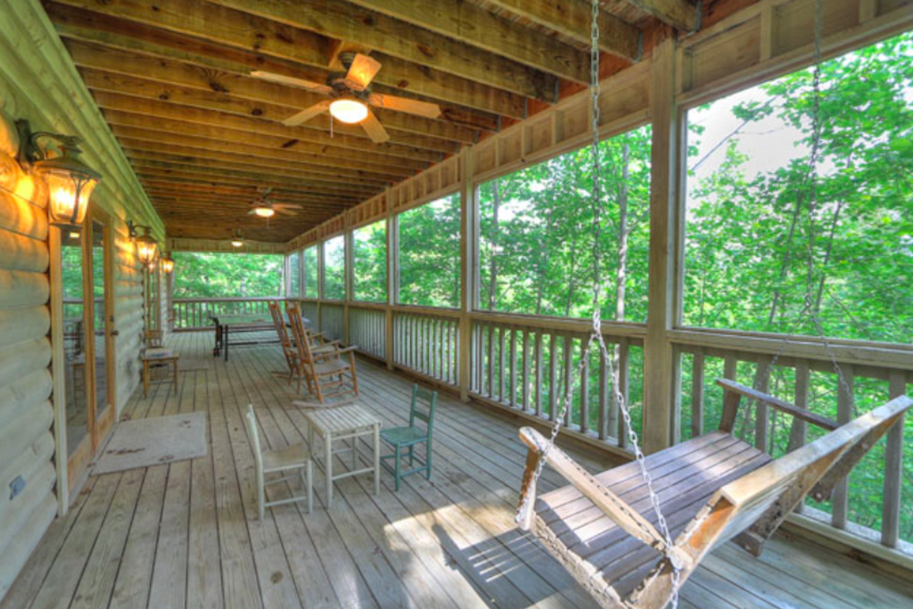 Photo of a Sevierville Cabin named Teddy Bear Lodge - This is the twenty-ninth photo in the set.
