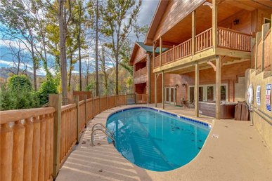 Smoky Mountain Splash, 6 Bedroom, Private Pool, Wifi, Pool Table, Sleeps 18