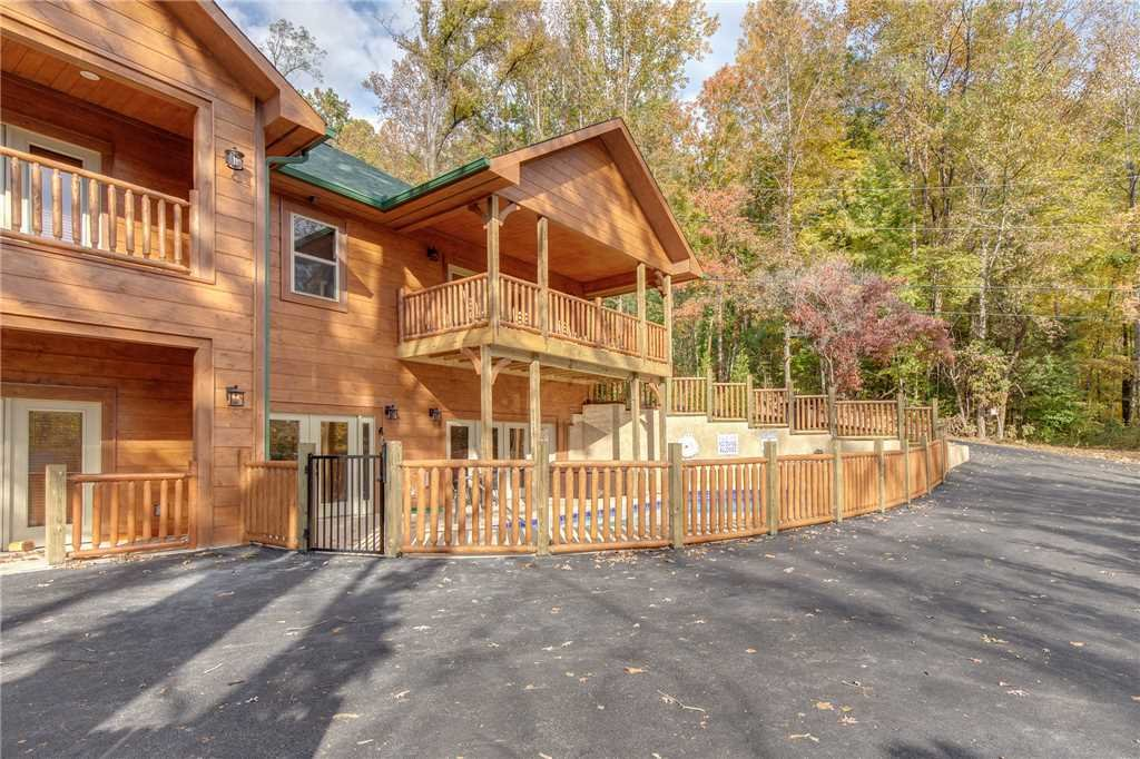Photo of a Gatlinburg Cabin named Smoky Mountain Splash - This is the fortieth photo in the set.