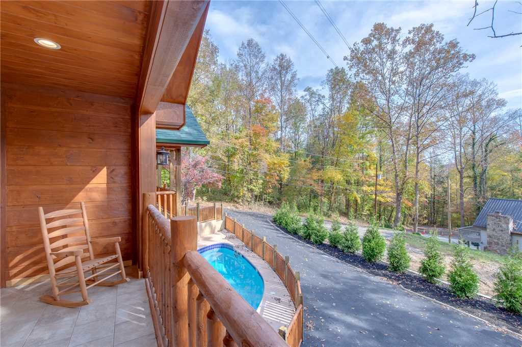 Photo of a Gatlinburg Cabin named Smoky Mountain Splash - This is the thirty-seventh photo in the set.