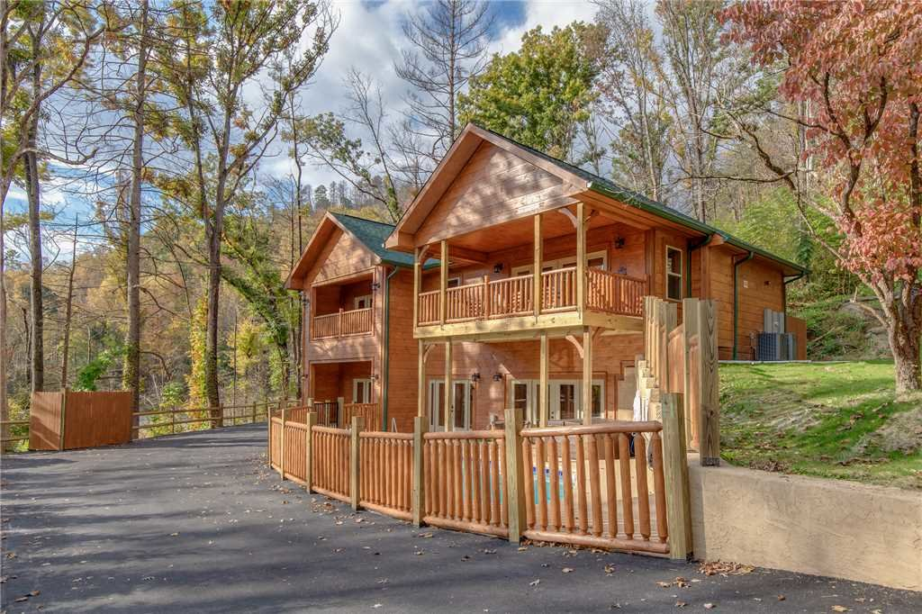 Photo of a Gatlinburg Cabin named Smoky Mountain Splash - This is the thirty-ninth photo in the set.
